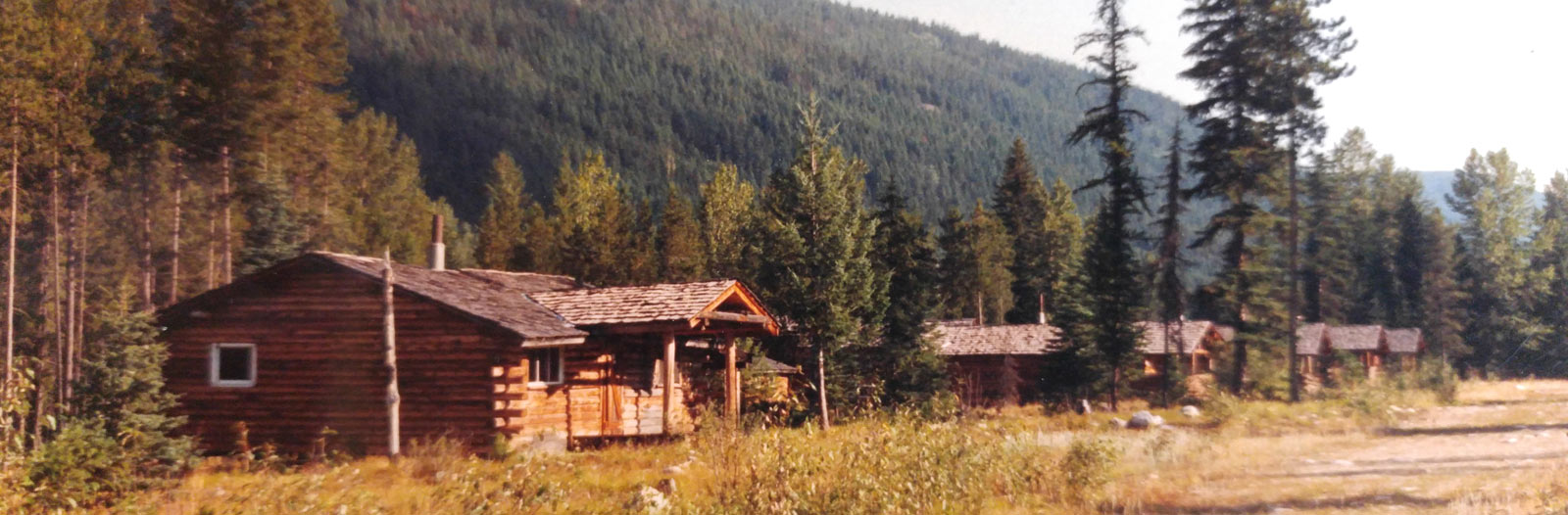 Rendell Creek Ranch log cabins.